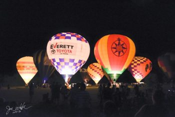 Up, up and away – Paris Balloon Festival photo gallery