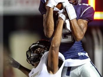 Friday Night Lights Photo Gallery – Paris High vs. Pleasant Grove