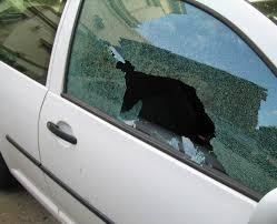 Paris PD investigate vehicle burglary