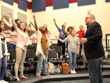 D.J. Bulls visits Paris High School Choirs