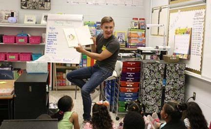 Singer Seth Sikes visits Justiss Elementary