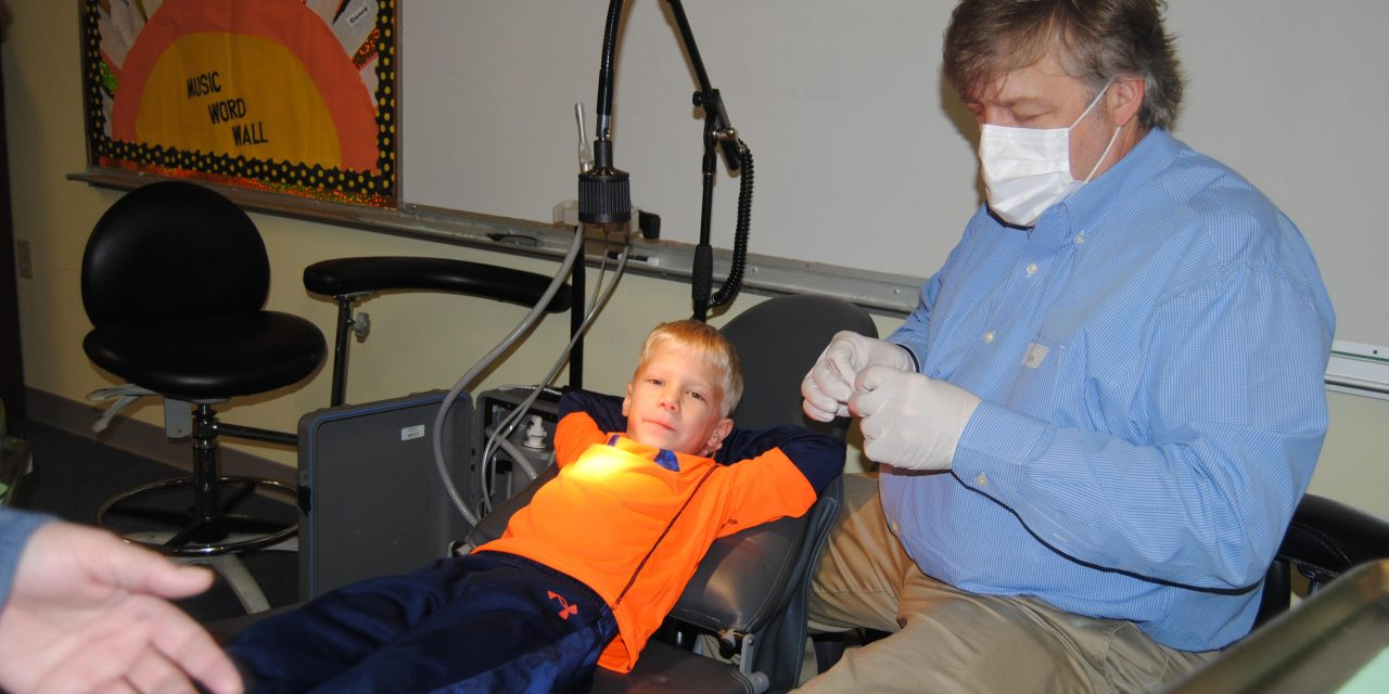 Paris Rotarians take Dental Project to local schools