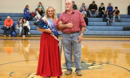 Hindman crowned RoxtonHomecoming Queen