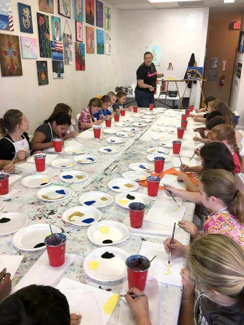 Everett elementary art group dabbles in painting for Extra mural classes