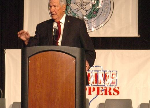 Gene Stallings suffers stroke at DFW International Airport today