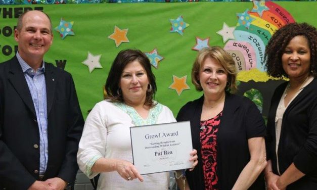 Paris ISD Employees Receive GROWL Award