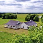 Beautiful property on 77 acres in Roxton