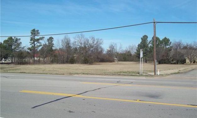 Commercial lot for sale at great location