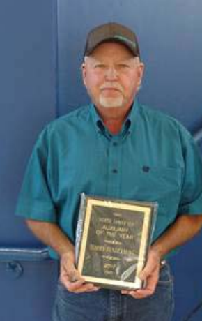 NL Auxiliary of the Year Tommy Funderburg