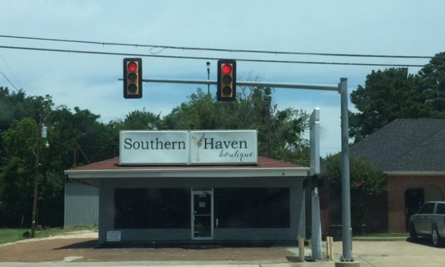 Commercial building for sale at excellent location