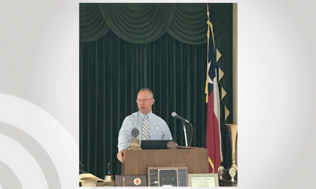 Texas Ranger Stacy McNeal speaks to Paris Rotary