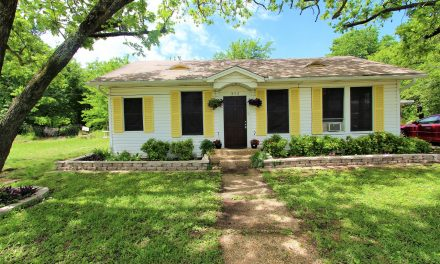 Cozy Home in town For Sale in Paris TX