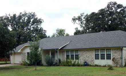Brick home near town for sale in Lamar County, Northeast Texas