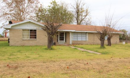 Country brick home for sale in Northeast Texas