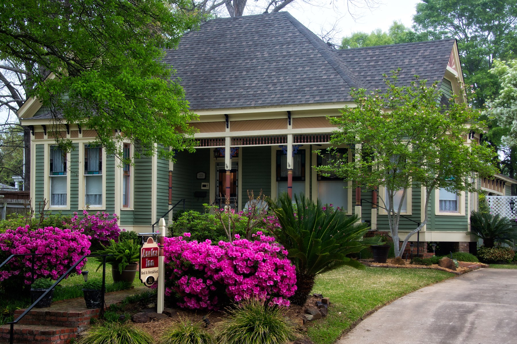 Azalea Bed And Breakfast