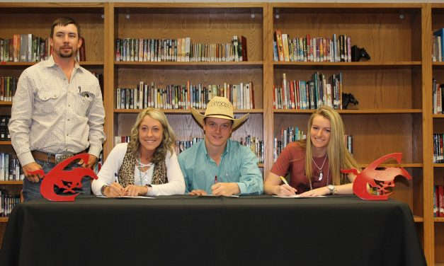 Three local seniors join NTCC Rodeo Team