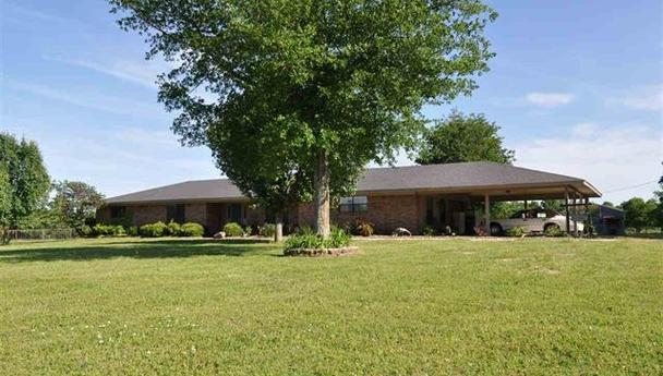 Ranch style home with nearly 10 acres