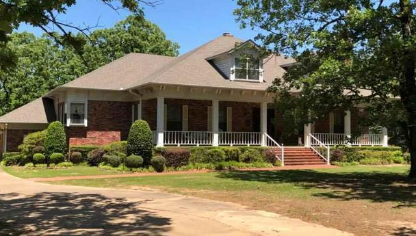 Beautiful custom built home on 2 acres