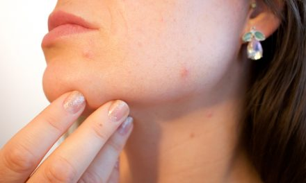 Easy steps to safer skincare || by Jennifer Sims