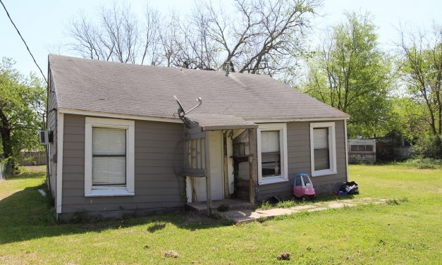 Investment home in Deport, Texas for auction