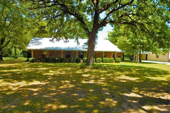Country ranch home in the Maxey Community