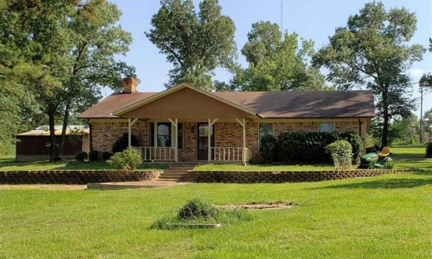 Home for sale Arthur City, Texas || $175,000