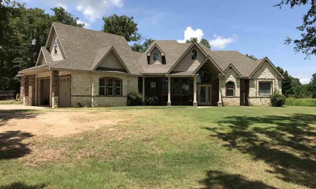 Home for sale in Bogata, Texas ||  $259,900