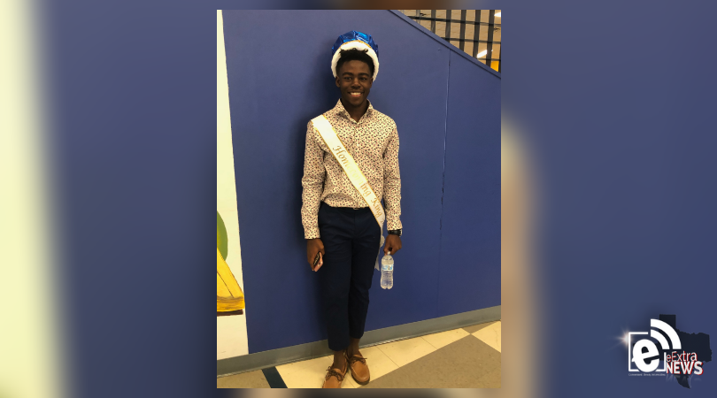 North Lamar crowns Homecoming king