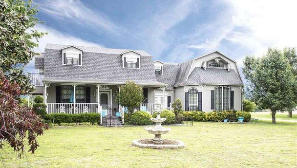 Dream home for sale in Powderly, Texas || Real Estate Listing