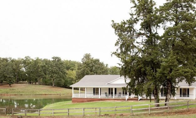 Four bedroom country home for sale in Paris, Texas || $469,000