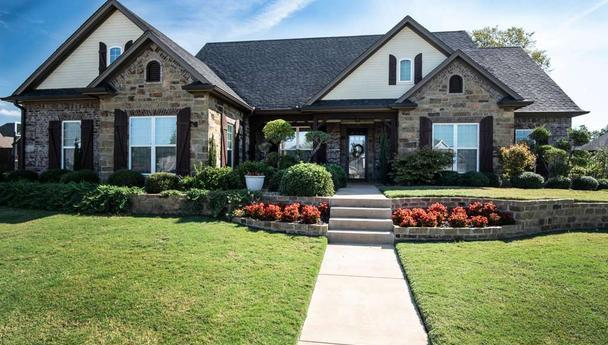 Four bedroom home for sale in Reno, Texas    $425,000