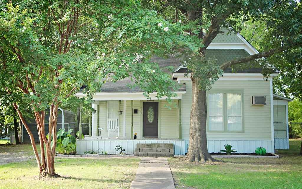 Three bedroom, one bath in Bonham, Texas || $140,000