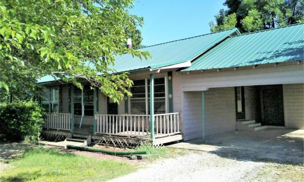 Three bedroom country home for sale in Clarksville, Texas || $69,900