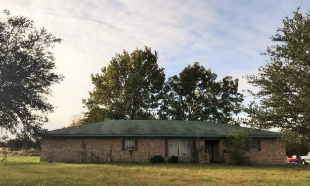 Three bedroom home for sale in Clarksville, Texas    $89,900