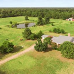 Five bedroom Texas Ranch Style home for sale in Paris, Texas || $359,900