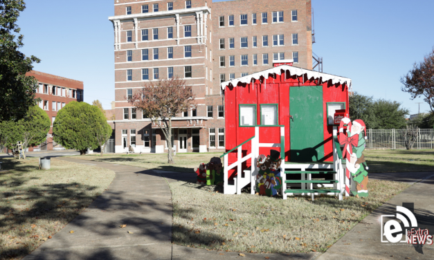 Santa Hut Schedule at Bywaters Park