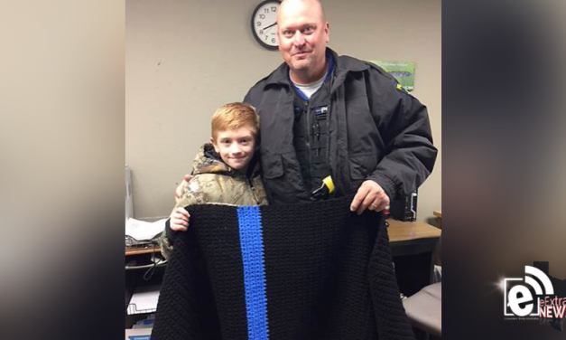 Student shows appreciation for school police officer || Thin blue line says it all