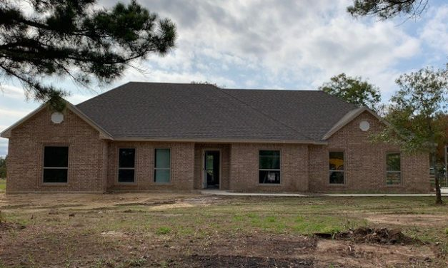 Three bedroom home for sale in Paris, Texas || $239,900