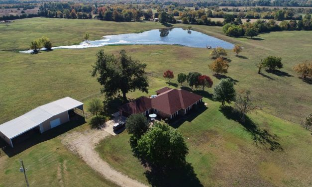 Beautiful executive country estate for sale in Roxton, Texas || $575,000