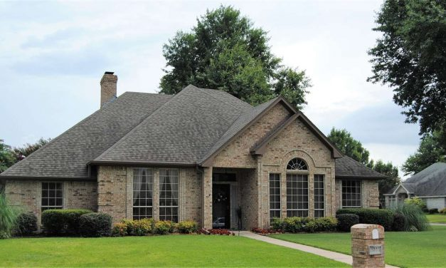 Four bedroom home for sale in Paris, Texas    $329,000