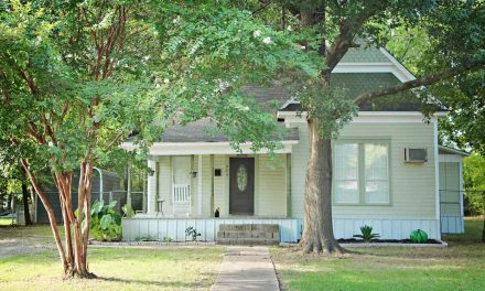 Three bedroom home for sale in Bonham, Texas || $114,500