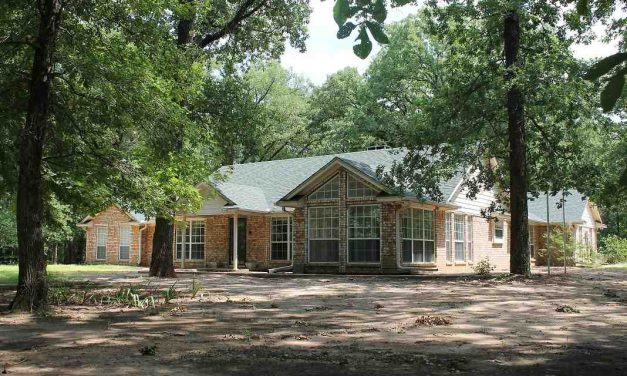 Two bedroom home for sale in Deport, Texas || $219,900