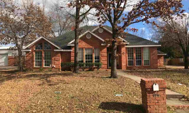 Four bedroom home for sale in Paris, Texas || $142,500