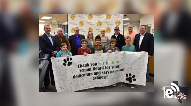 North Lamar recognizes school board