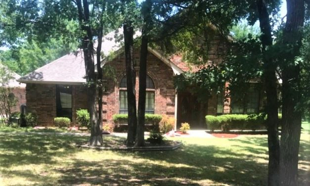Three bedroom home for sale in Paris, Texas    $295,000