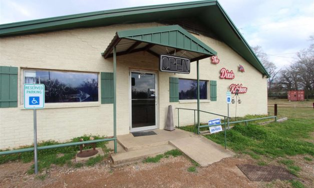The Dixie Kitchen for sale in Bogata, Texas || $119,000
