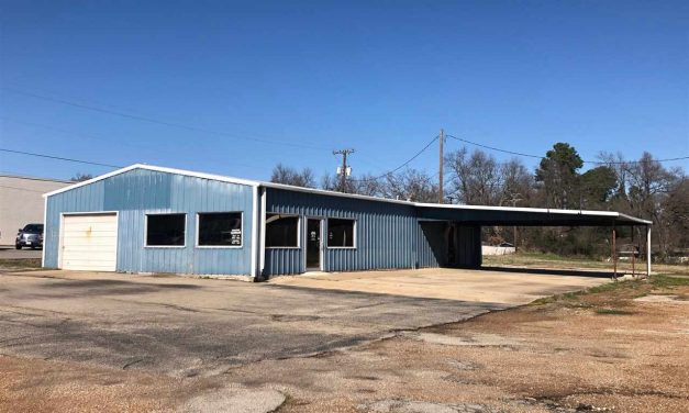 Shop or storage space available in Paris, Texas    $55,000