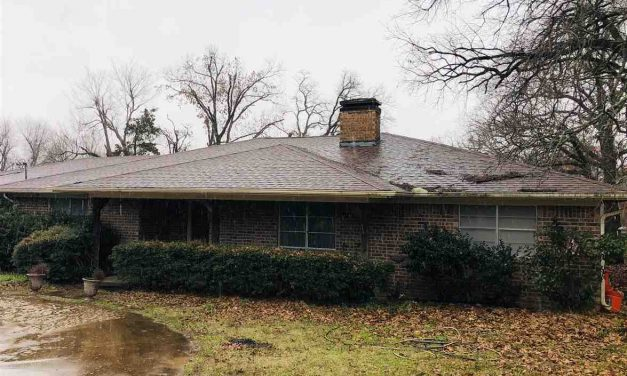 Three bedroom home for sale in Sumner, Texas || $199,500