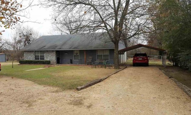 Four bedroom home for sale in Blossom, Texas    $160,000