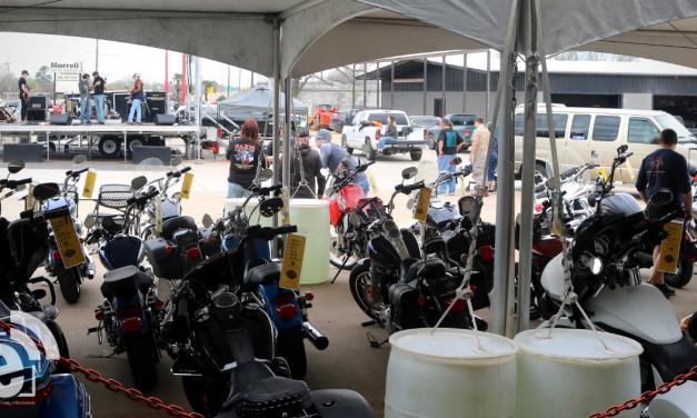 Paris Harley-Davidson serves 600 pounds of crawfish